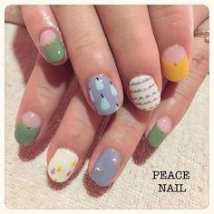 ほっこりきゅん♡秋にもぴったり北欧ネイルデザイン集 - Locari(ロカリ) Cute Nail Art, Nail Art Diy, Diy Nails, Cute Nails, Pretty Nails, Asian Nail Art, Asian Nails, Music Nails, Glitter Manicure