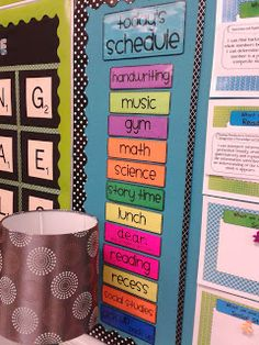 How I use these free, printable schedule cards in my classroom! Classroom Schedule, Classroom Layout, Classroom Organisation, School Schedule, Classroom Displays, School Organization, Kindergarten Classroom, School Classroom, Classroom Ideas