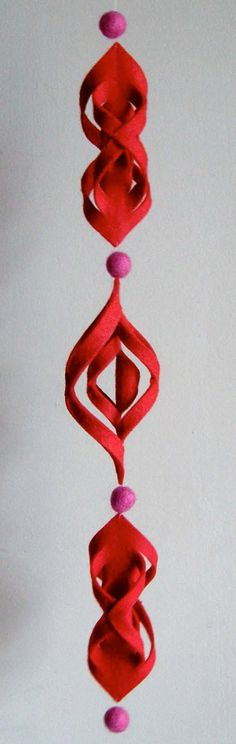 Modern DIY Felt Ornament by Betz White: Here is the link for the tutorial http://tinyurl.com/yd48rfe  #Felt #Ornament #Betx_White