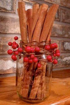 Det mesta kring jul kanske börjar bli klart. Eller är det så stressigt så inte mycket hunnits med ännu? Här är 10 quick-fix-tips som höjer julkänslan direkt!