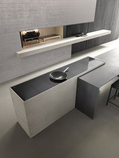 Linear, minimal Blade uses new materials and surfaces to customise kitchen projects, adapting them to all needs without forgoing a strong perso Kitchen Furniture, Furniture Design, Modern Kitchen Design, Modern Kitchens, Modular Design, Luxury Home Decor, Prefab, Minimalism, House