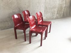 Set of Four Mid Century Vico Magistretti Selene Chairs for Artemide Mid Century Chair, Mid Century Furniture, Retro Furniture, Antique Furniture, Dining Room Chairs, Outdoor Chairs, Armchair, Deep, Antiques