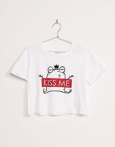 camisetas bershka Camiseta BSK manga sisa Kiss me - Camisetas - Bershka Espaa Kids Outfits, Cool Outfits, Fashion Outfits, Shirt Print Design, Shirt Designs, T Shirt Body, Funny Shirts, Tee Shirts, Tees