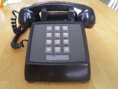 Vintage Western Electric Bell System Black Push Button Desk Phone 2500MMG