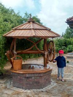 NAKŁADKA NA STUDNIĘ Z KAMIENIA UNIKAT STUDNIA DUŻA Casa Retro, Wood Fence Design, Outdoor Projects, Outdoor Decor, Water Pond, Water Well, Wishing Well, Garden Inspiration, Backyard Landscaping
