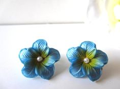 Lovely Pair of Blue Flower Clip Earrings by LolaandRettsdelight, $16.00