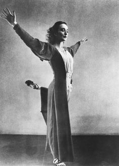 Doris Humphrey ....of Humphrey Weidman , also artistic director of the Jose Limon Dance Company ...Jose's mentor...