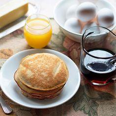 Low Carb Almond Flour Pancakes via @dropthesugar