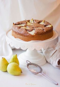 Torta pere, caffè d'orzo e caramello http://ilpandizenzero.it/sito/torta-pere-orzo-e-caramello/