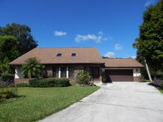 Palmetto FL 4 Bedroom Pool Home For Sale. Short Sale, cul de sac, lake front 2800 square feet under air. http://560580thavee.seealltheinfo.com  #PalmettoFLHome  #PalmettoFloridaHome ForSale