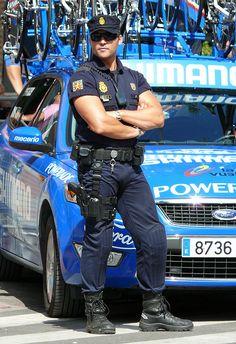 Policia Nacional en La Vuelta by Oscar in the middle, via Flickr