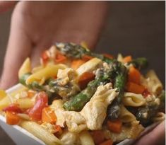 penne primavera Greek Recipes, Meat, Chicken, Food, Essen, Greek Food Recipes, Meals, Yemek, Eten