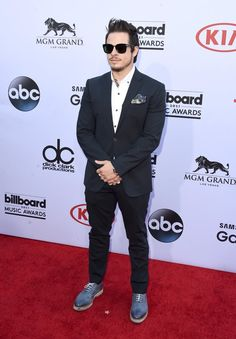 Pin for Later: See All the Stars on the Billboard Awards Red Carpet! Casper Smart