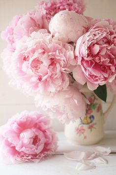 Flowers pink bouquet peonies 21 Ideas for 2019 Amazing Flowers, My Flower, Fresh Flowers, Pink Flowers, Beautiful Flowers, Vase Of Flowers, Peony Flower, Cactus Flower, Flower Of Life