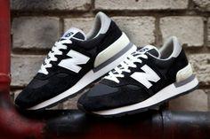 New Balance M990 – Black/ White