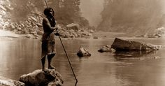 La culture amérindienne est riche en coutumes magiques et reflète leur esprit de liberté, mais durant le XXe siècle elle a rapidement disparu. C'est pour cette raison que Edward Sheriff Curtis a consacré des décennies de sa vie à capturer et enregistrer le mode de vie des tribus indigènes de l'Amérique du Nord et son …