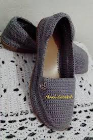 zapatos tejidos a crochet para dama ile ilgili görsel sonucu Crochet Sandals, Crochet Boots, Crochet Slippers, Crochet Clothes, Crochet Shoes Pattern, Shoe Pattern, Crochet Crafts, Crochet Yarn, Crochet Flip Flops