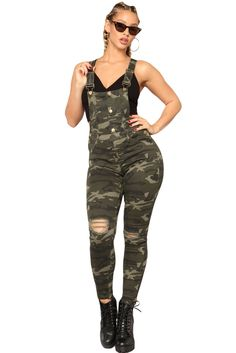 Sheinstreet Women Ripped Camo Skinny Overall Jeans Overalls Women, Denim Overalls, Trousers Women, Jeans Women, Camouflage Jumpsuit, Camo Pants, Sleeveless Outfit, Trouser Pants, Daily Look