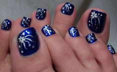 Toe nails are the best way to make your feet look supple and attractive. Treat your toes royally with these 35 winter toe nail art designs. Flower Toe Nails, Blue Toe Nails, Simple Toe Nails, Pretty Toe Nails, Feet Nails, Toenails, Blue Toes, Pretty Toes, Nail Flowers