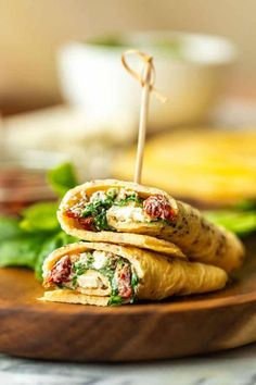 6 Month Weight Loss Plans Zero carb Keto Egg Wraps - just eggs with a little bit of seasoning cooked in pancake form. Use these as a replacement for regular tortillas and wraps. Fill, fold and roll! Low Carb Meal Plan, Low Carb Dinner Recipes, Healthy Recipes, Fodmap Recipes, Protein Recipes, Protein Snacks, Healthy Foods, Keto Recipes, Breakfast Wraps