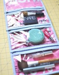 Cosmetics Case | Pellon® Projects - didn't know that Pellon had such a variety of projects to make with clear tutorials (.pdf) for free. Love this cosmetics case that could well serve as a bag to carry your sewing/quilting essentials with you!