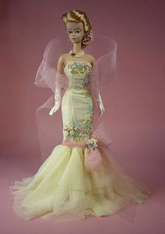 1106 Best Beautiful Doll Gowns Images In 2019 Barbie Dolls Barbie
