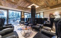 """TOP CLASS SULLE DOLOMITI Un """"Boutique Hotel"""" immerso nell'idilliaca atmosfera della Val Gardena, luogo ideale per trascorrere indimenticabili vacanze.  DENTROCASA gennaio 2018"""