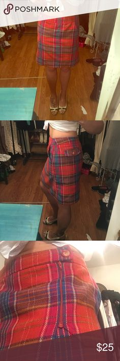 Size 8 Vintage Plaid School girl skirt Stunning Vintage Schoolgirl plaid Skirt. Very Cher from Clueless💋Size 8 but adjustable in that it opens completely wide and you button on to adjust your waist/hips. i.e. Relaxed Skirts Midi