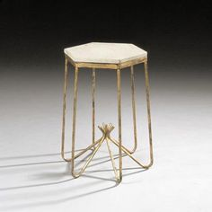Jean Royere - Occasional table Diam 420mm x H 630 mm