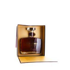 Vollendeter Rhum Agricole in aufwendiger Geschenke-Box  Der Saint James Rhum Vieux XO Quintessence wird auf Martinique hergestellt und ist einer der ältesten Rums der Destillerie Saint James. Er wird in einer 0,7l Flasche geliefert und hat einen Alkoholgehalt von 42 % Vol.