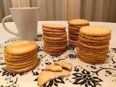 Pancakes, Muffins, Cookies, Breakfast, Recipes, Food, Crack Crackers, Morning Coffee, Muffin