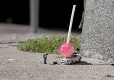 Slinkachu-Damn-Kids.jpg (1040×735)