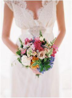 bright wedding bridal flowers via www.frenchweddingstyle.com © Feather and Stone  #flowers