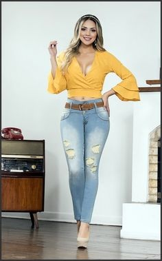 Jean Levanta Cola Ajuste Perfecto The post Lindo Jean Colombiano Push Up 302 appeared first on Best Jean. Cargo Pants Women, Pants For Women, Clothes For Women, Curvy Girl Outfits, Short Outfits, Cute Prom Dresses, Perfect Jeans, Best Jeans, Ripped Skinny Jeans