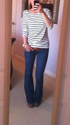 Striped shirt + wide-leg jeans + booties & belt