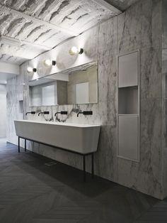 parade de mármore em banheiro