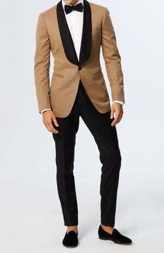 Smoking Jacket Men Golden New Arrival Velvet Peak Lapel One button Elegant dinner Wear Coat Blazer Mens Fashion Suits, Mens Suits, Tan Tuxedo, Tuxedo Pants, Suits Direct, Blazer Outfits Men, Dinner Wear, Classy Suits, Vogue
