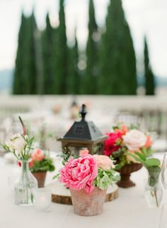 An Italian Wedding That's Not Afraid of Color Gallery - a colorful wedding in Villa la Vedetta, flowers by @jardindivers