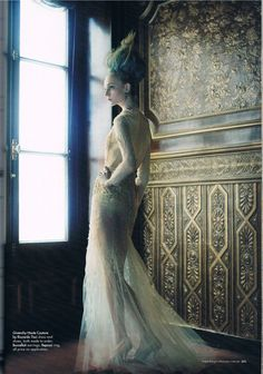 Lady of the House | Nimue Smit | Victor Demarchelier #photography | Harper's Bazaar Australia December 2011