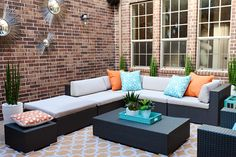 The colors of the sun and water are hot this summer — brightening up already brilliant days. This year the hottest color trends for your summer outdoor accessories are tangerine and aqua.