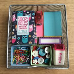 Great for organising your stationary! Paper Boxes, Pencil And Paper, Origami Paper, Organising, Sticky Notes, Stationary, Lunch Box, Diy Projects, Buttons