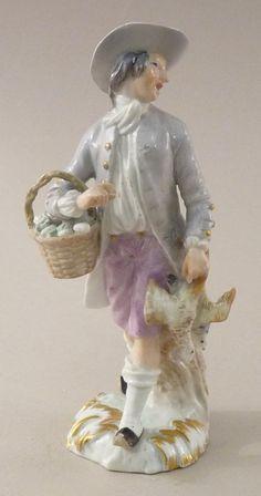 """Statuette """"cris de Paris"""" marchand de poulets Meissen siècle"""