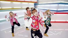 "Tiny-G's ""MINIMANIMO""  So cute and fresh!  Check out the review and MV!"