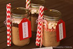Christmas presents: Hot Cocoa in a Jar. Mini mason jars would be great for single serving cocoa. Christmas Gifts For Coworkers, Cute Christmas Gifts, Homemade Christmas, Christmas Treats, Holiday Gifts, Xmas, Christmas Presents, Simple Christmas, Mason Jars