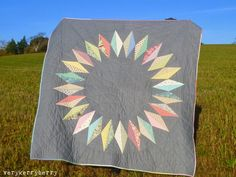 [Liberty Diamond Ring Quilt - pattern by Alexia Abegg; quilt made by Kerry of VeryKerryBerry] Circle Quilts, Star Quilts, Mini Quilts, Quilt Blocks, Scrappy Quilts, Quilting Projects, Quilting Designs, Sewing Projects, Quilt Design