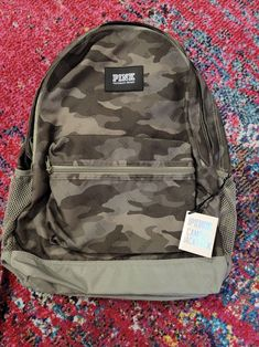 New with Tags. *Durable Fabric *Top Stash Pockets *Interior pockets *Padded laptop sleeve *Water bottle pockets *Comfy shoulder straps Pink Backpacks, Herschel Heritage Backpack, Shoulder Straps, Vs Pink, Laptop Sleeves, Water Bottle, Comfy, Pockets, Tags