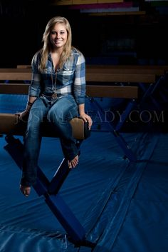 love this for a gymnastics senior picture