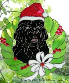 Stained glass Christmas Newfie wreath http://kolibriart.jimdo.com/english/dogs-cats/christmas-newfie-wreath/
