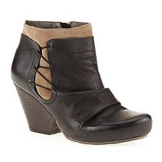 OTBT Women's Rhinelander Ankle Boots. Smarts: Cushioned footbed adds extra comfort. FootSmart.com