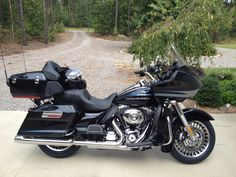 If we are going to do a Harley, this would ve the one I would like. Harley Road Glide, Harley Davidson Road Glide, Ducati, Yamaha, Custom Baggers, Moto Guzzi, Motorbikes, Honda, Automobile